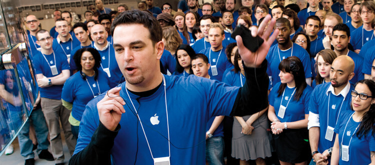 Apple cuts its team of employees
