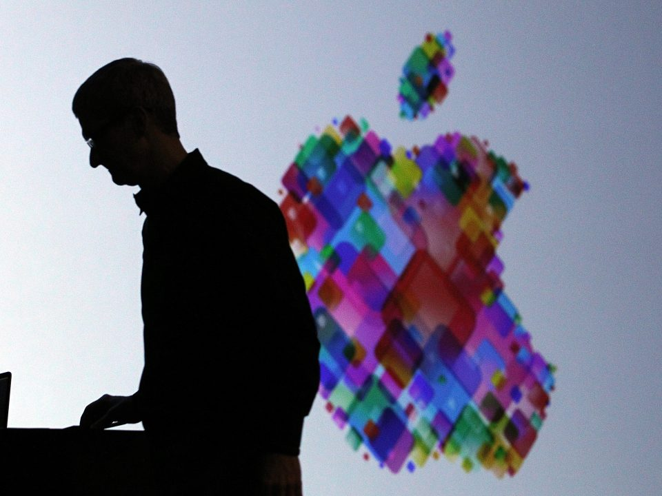 Apple Can No Longer Deny the Truth about its iPhone Business